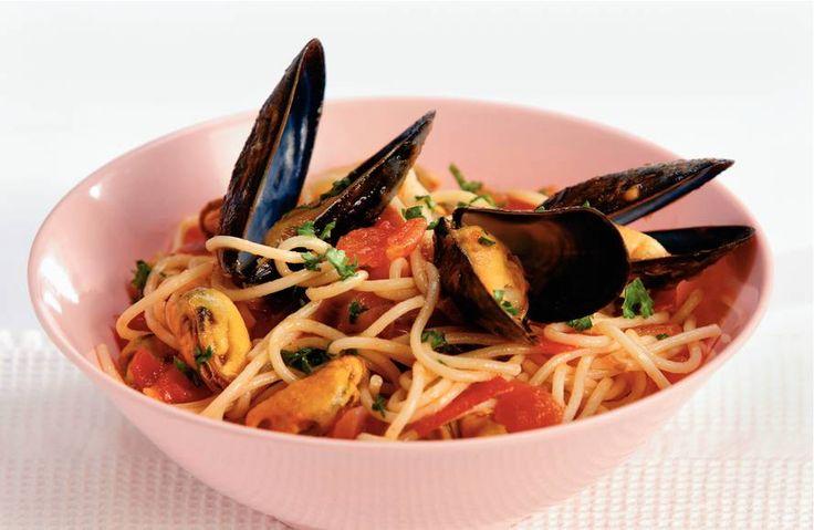 Kijk wat een lekker recept ik heb gevonden op Allerhande! Spaghetti met mosselen