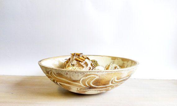 Large Vintage Wooden Bowl. Bread Bowl. Munising by NGvintagelove