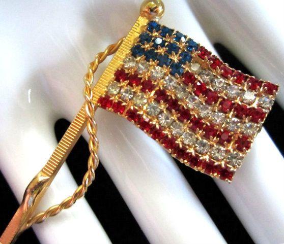 Vintage spilla patriottica bandiera americana di ToppyToppyKnits