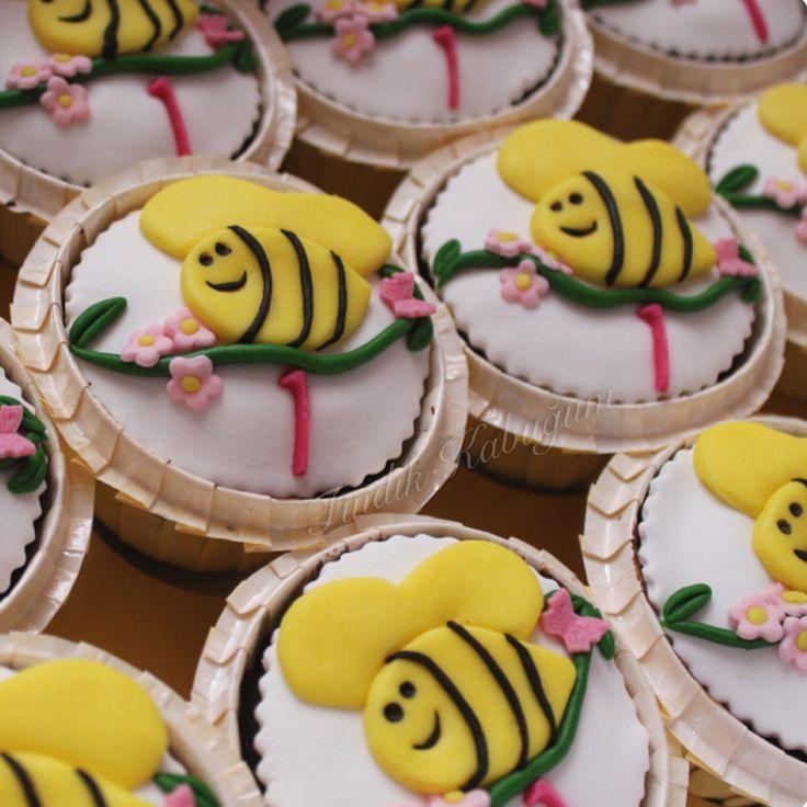 1 yaş Cupcakeleri / Arı Konsepti  1 st Birthday Party / Aryan