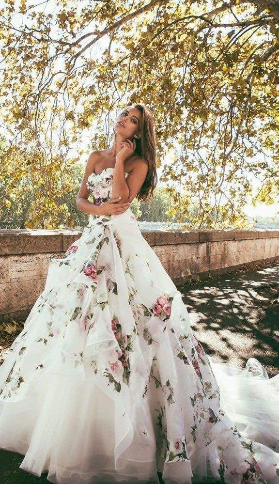 The Floral Pattern Wedding Dress Is Very Unique And Pretty Click
