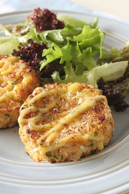 Crabcakes with Lemon Dill Mayo