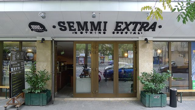 semmi extra