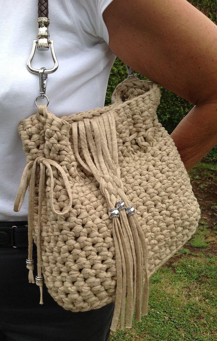 114 best images about carteras tejidas al crochet for Bolso crochet trapillo