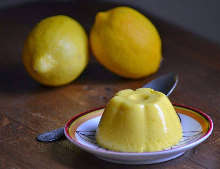Zelfgemaakte pudding met kwark en citroen