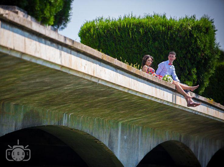 Sedinta foto logodna  #logodna #nunta #fotograf Lucrez şi mă perfecţionez neîncetat pentru a mă număra printre acei fotografi care reuşesc să imortalizeze esenţa unei clipe, să surprindă frumosul în fiecare persoană şi împrejurare, indiferent de moment sau de cadru.