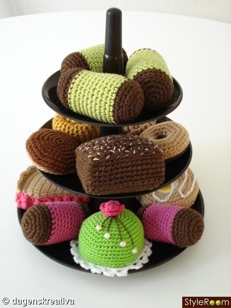 Crochet petit four - Great idea, gonna do this!