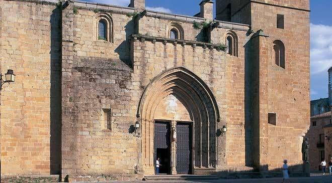 iglesia_concatedral_santa_maria_caceres_t1000064.jpg_1306973099.jpg (660×365)