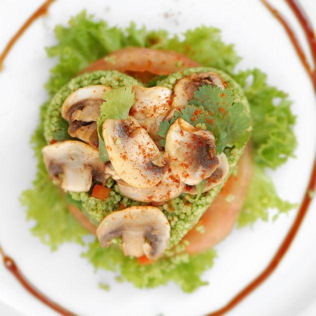 _cuscusverdecorazon by Espacio Culinario, via Flickr
