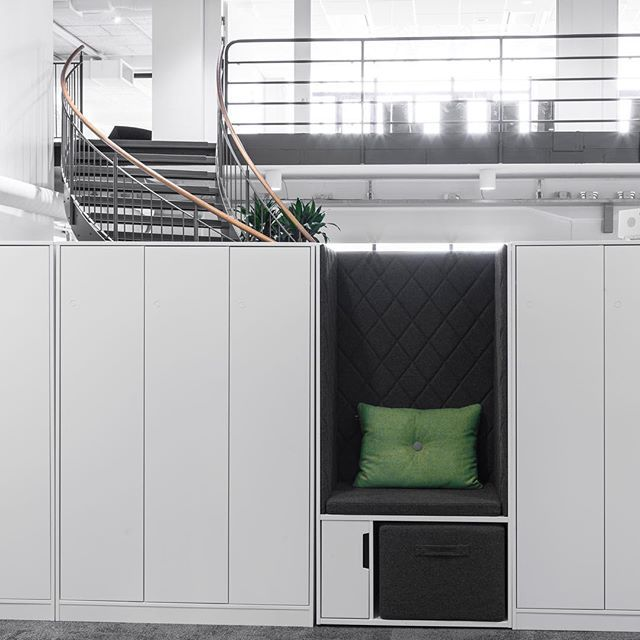 EFG Entry is our personal and multifunctional storage family equipped with a variety of smart functions, designed to meet the specific needs of an activity based workplace. #europeanfurnituregroup #efgentry #Scandinaviandesign #interiordesign #officeinterior #officedesign #interiors #furniture #office #workplace #inspiration #design #interiorarchitecture #inredning #kontor #inredningsdesign #interiör #arbetsplats #mötesplats #möbler #kontorsmöbler