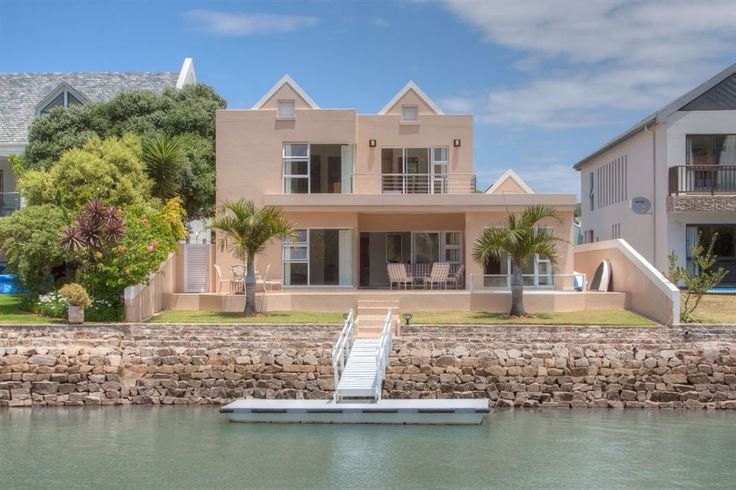 Elegance and style, coupled with this home's light, bright and airy interiors are guaranteed to put a smile on your face as you enter the front door  - 7 Lord Nelsons Arm   Port Alfred   South Africa   Luxury Property Selection