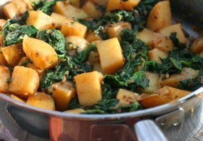 Indian-Style Potatoes and Spinach: Yummy Food, Indianstyl Potatoes, Styles Spinach, Indian Styles, Indian Styl Potatoes, Recipessid Dishes, Indian Potatoes, Vegans Food, Styles Potatoes