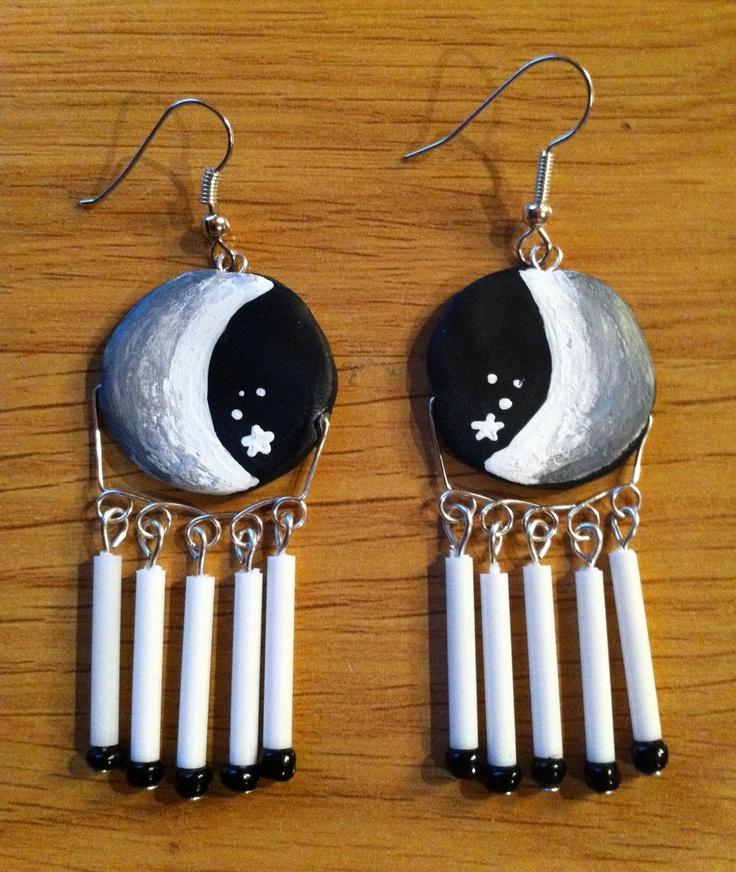 Pendientes, lunas pintadas en fimo