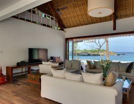 Voyage - living room
