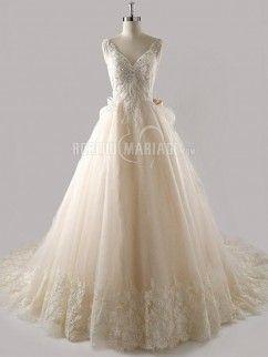 Nœud papillon robe de mariée en tulle en dentelle à traîne chapelle