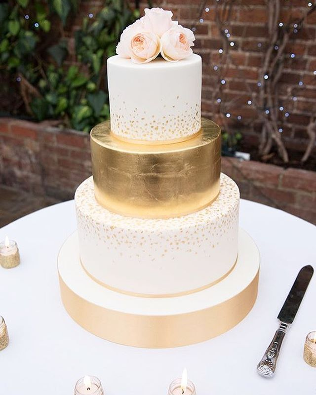Cake of our dreams. Metallic accents with a hint of pink!