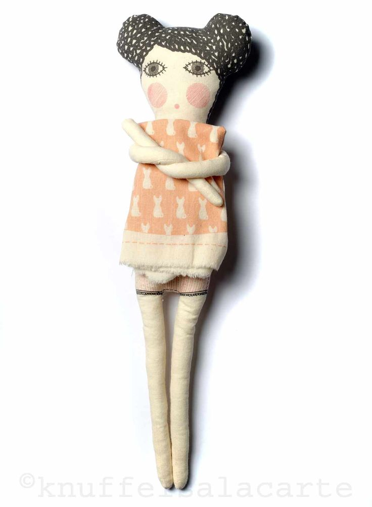 Severina Kids doll with DIY dress http://www.knuffelsalacarte.nl/Severina-kids-pop-met-roze-jurk-p-16753.html