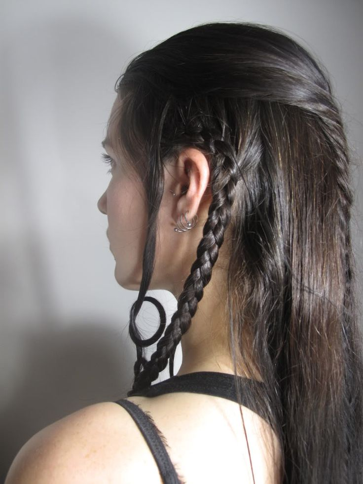 Had far too much fun braiding after an evening on a hair forum and listening to to the LOTR soundtrack... - See this image on Photobucket.