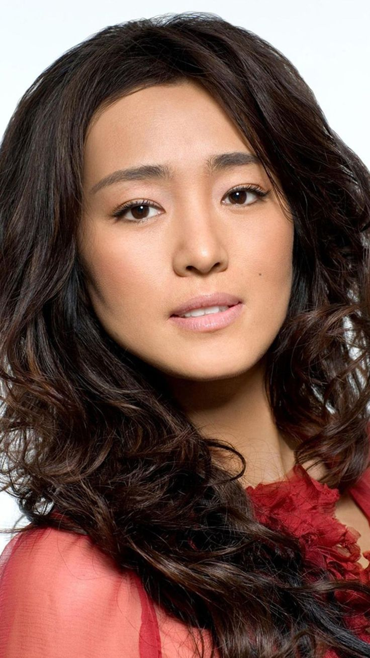 Polished beauty Gong Li ...  Phenomenal spectacle of female beauty...   She made her English speaking debut in 2005 when she starred as Hatsumomo in Memoirs of a Geisha.
