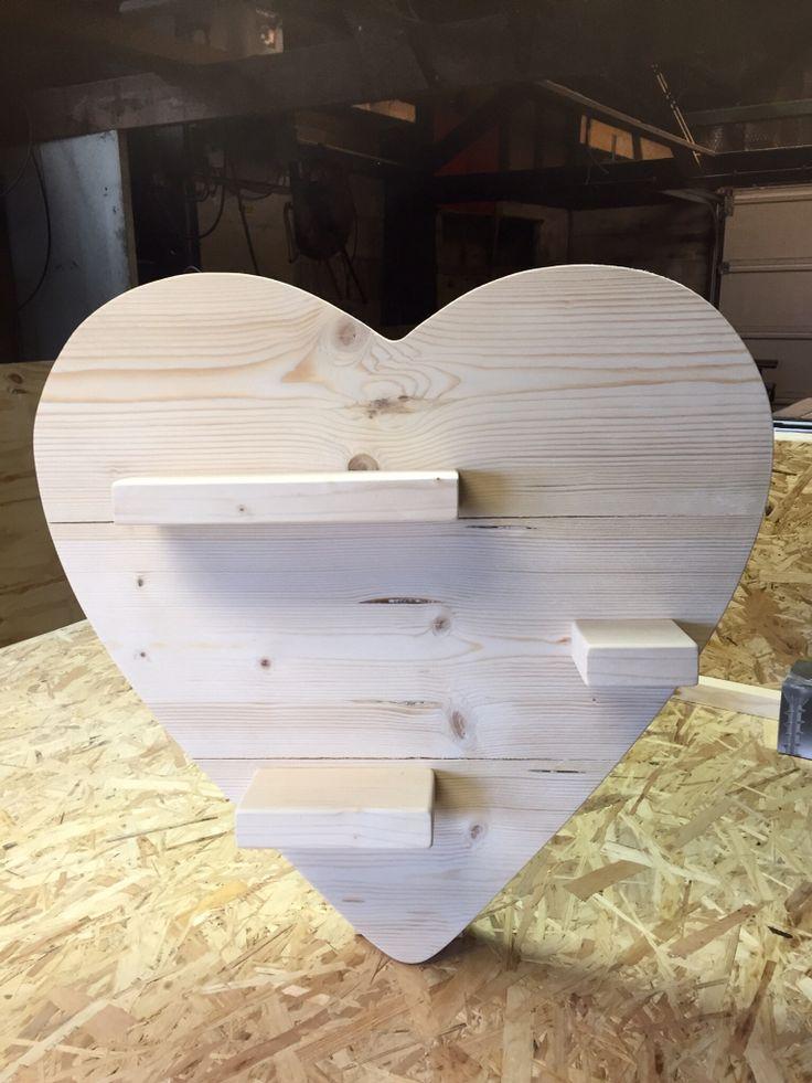 Hart gemaakt van steigerhout.