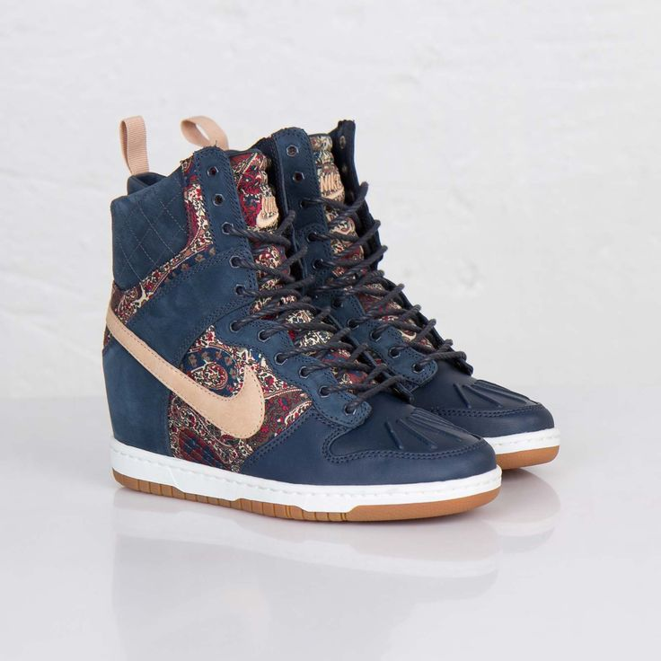 Nike Dunk Sky Hi Sneakerboot Liberty QS