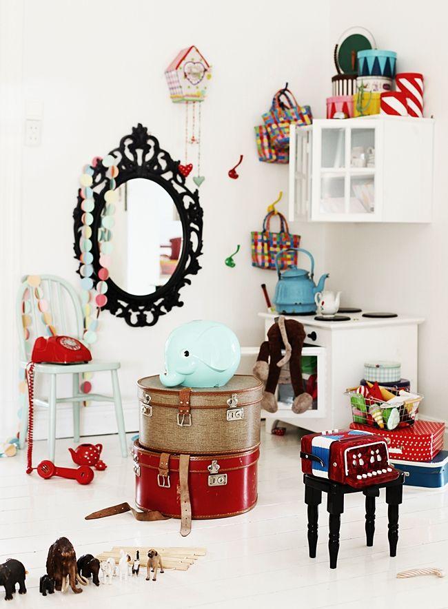 Mokkasin stylingEyeshadows Lipsticks, Playrooms Ideas, Kids Playrooms, Bathroom Inspiration, Fun Kids Room, Retro Kids Bedrooms, Kid Rooms, Playrooms Inspiration, Room Kids