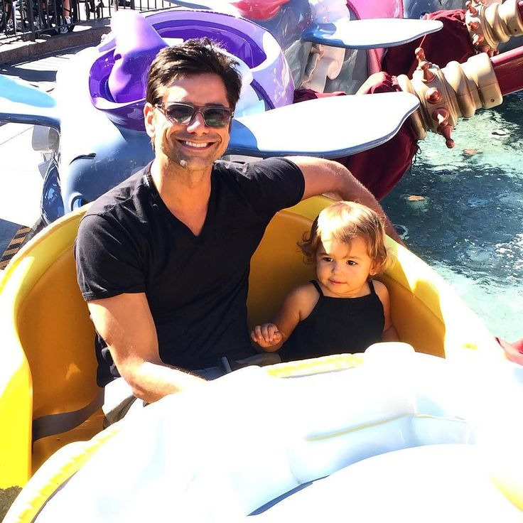 This is what I did with my extra hour today... #disneyland @golfieritwins by johnstamos