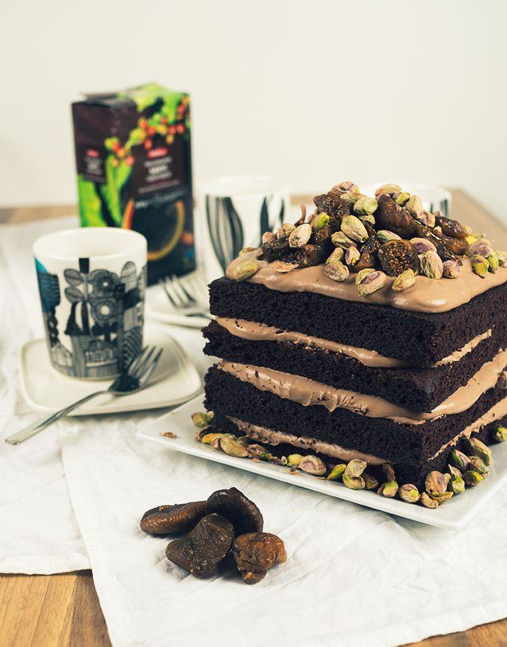 Kahvia & Kasvisruokaa: Alaston suklaakakku ja tummaa kahvia (Gf, V) #nakedcake #kruoka