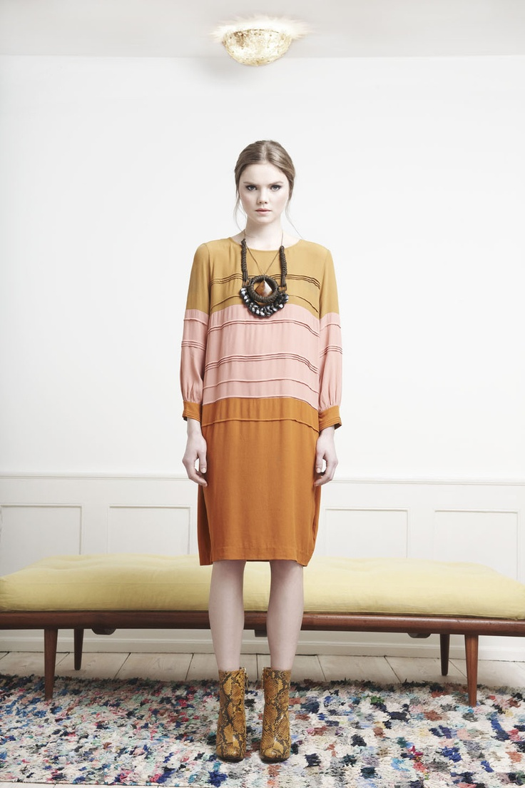 Rützou long sleeved block color dress