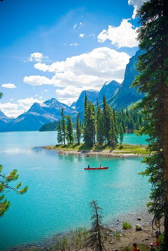 Maligne Lake/Spirit Island in Jasper National Park. Alberta, Canada. #herethereeverywhere