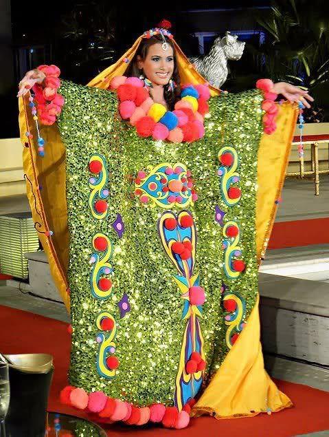 Venezuela en traje tipico Manta Guajiras
