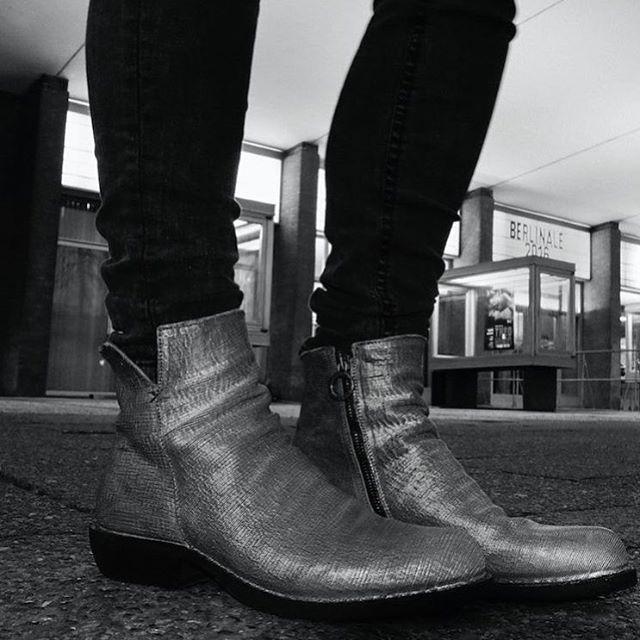 ✖️ Inspiration by @fiorentinibaker ✖️ #inspiration #fiorentinibaker #biker #boots #style #love