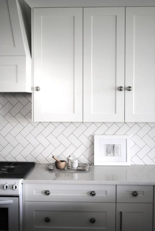 Herrinbone Vinyl For Backsplash | ... White Subway Tiles Laid In A  Herringbone Pattern