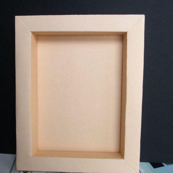 Make a Simple Paper Frame via @Guidecentral