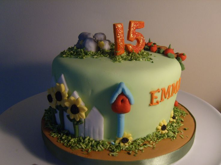 Sunflower cake with bird house www.kitchenfairiesleeds.co.uk