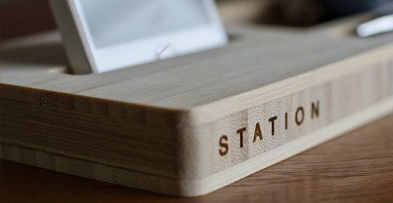 iSkelter Classic Station — подставка под iPhone, ключи, бумажник