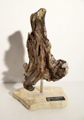 Treibholz Skulptur klein mit Stein-Sockel driftwoodarts.de