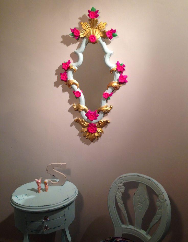 Espejo Victoriano Tallado y pintado a mano Pura madera. Victorian Mirror. 100% wood Hand carved and hand-painted!