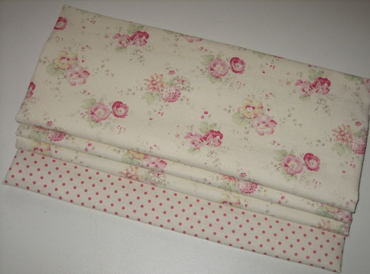 Roman blind in Roses and Sweetpeas with Dotty border. Fabrics by Peony & Sage