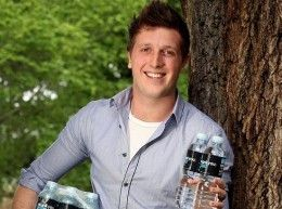 #136	How to enter a crowded market place, with Daniel Flynn of Thank you Water.   http://smallbusinessbigmarketing.com/daniel-flynn-thank-you-water/