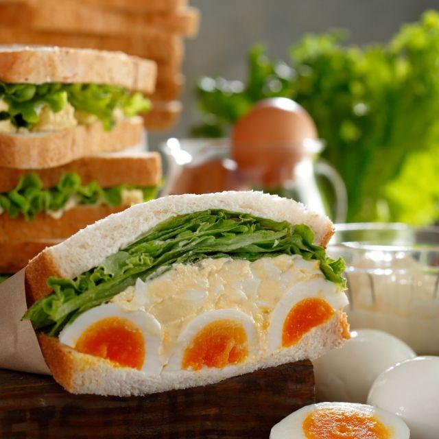 スターバックス コーヒー ジャパンのエッグサンドイッチについてご紹介します。