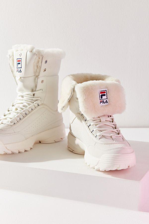 e6ebb92d0 FILA Disruptor Shearling Boot em 2019   Shoe lust   Sapatos, Calça e ...