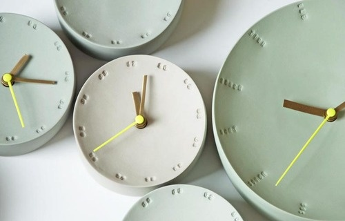 Clocks designed by Femke Roefs - concrete clocks | Betonklokken