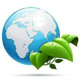 La tierra del planeta con verde sale de símbolo de la ecología Imagenes de archivo