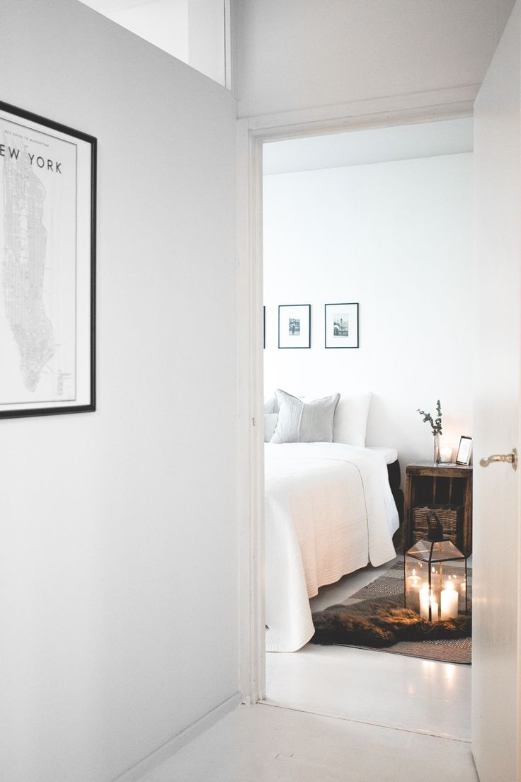 Nordic interior, scandinavian interior, bedroom, candles, new york poster
