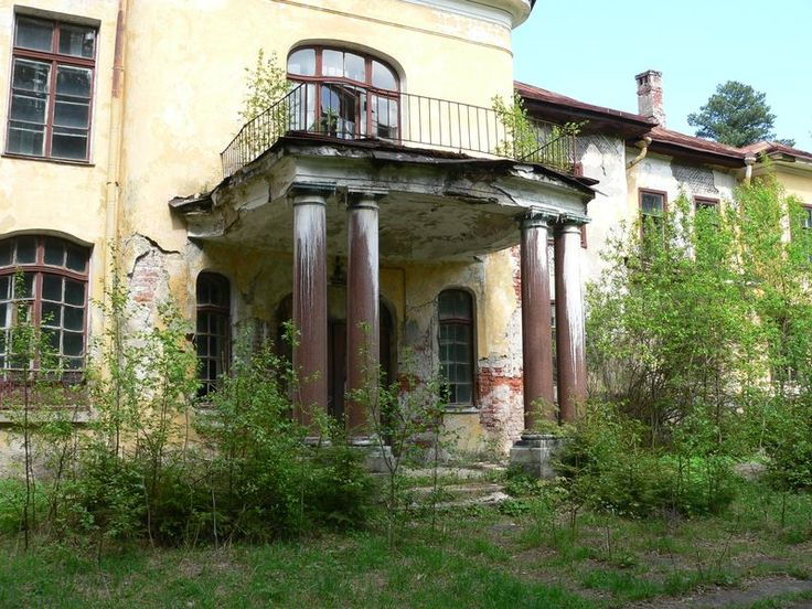 Carl Faberge's abandoned dacha outside of St. Petersburg.  This is heartbreaking.
