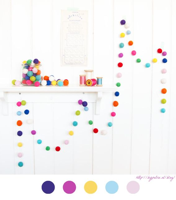 guirlandes pompons guirlande boules laine diy felt balls feutrine garland - Guirlande Boules Colores