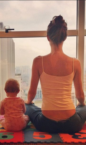 Gisele Bündchen and her adorable daughter Vivian Lake meditate together on a peaceful morning. Courtesy of Gisele's Instagram.