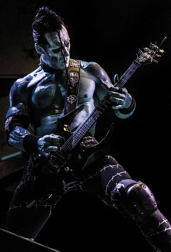 Legendary MISFITS guitarist DOYLE WOLFGANG VON FRANKENSTEIN heads back out with his eponymous solo band for an extensive tour.