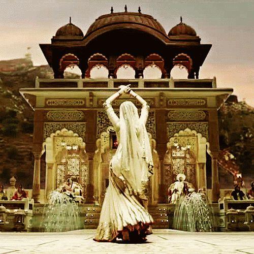 Картинка с тегом «bollywood, gif, and india»
